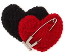Gestrickte Brosche im Herz-Design