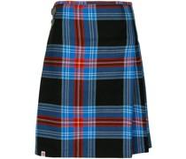 Karierte Shorts im Schottenrock-Stil