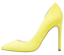 Pumps yellow