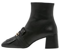 MAXIMUM Stiefelette black