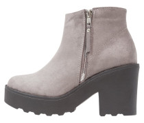 CHUBBY High Heel Stiefelette mid grey