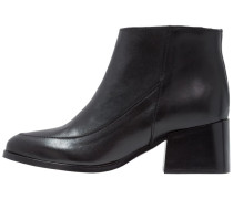 PIUTE Ankle Boot black