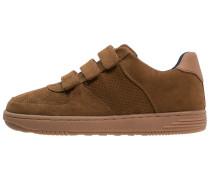 Sneaker low nut