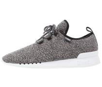 MOCLAU SQUEEZE II Sneaker low black