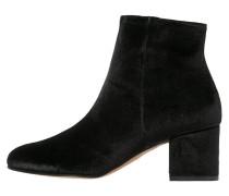 LOGAN - Ankle Boot - black