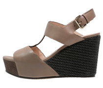 Plateausandalette taupe