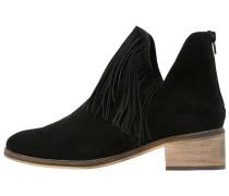 VMLAURE - Ankle Boot - black