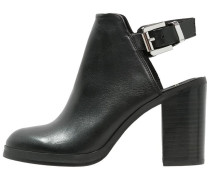 BRIDGE Ankle Boot black