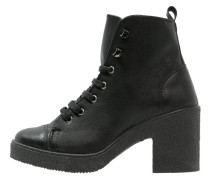 BASIL Ankle Boot black