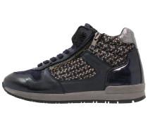 Sneaker high ozean