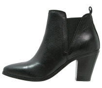 MAKI Ankle Boot black
