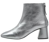 MAGGIE Stiefelette silver