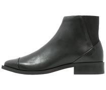 PRIME Ankle Boot black