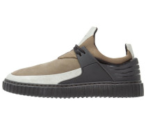 CASTUCCI Sneaker low black/olive fog