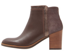 ELLA Ankle Boot seta
