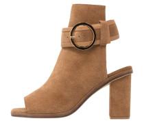 DESI - High Heel Sandaletten - camel