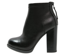 CRYLA - Ankle Boot - black