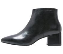 MYA - Ankle Boot - black