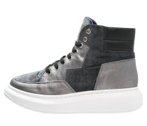 Sneaker high - cuerda