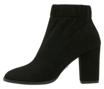 LOTUS Ankle Boot black
