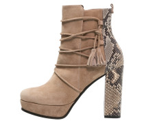 AMINA Plateaustiefelette nuts/camel