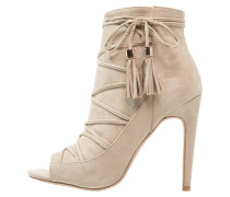 High Heel Stiefelette beige