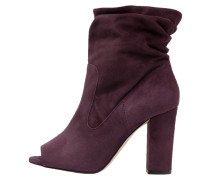 NEW REALITY Stiefelette aubergine
