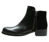 PRYME Ankle Boot black