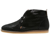 BUCKIE Ankle Boot black