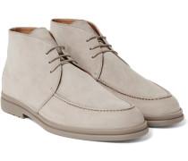 Urban Walk Nubuck Chukka Boots