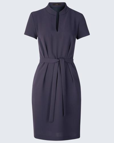 Crêpe-Kleid mit Gürtel in Navy