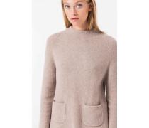 Pullover mit Taschen in Beige