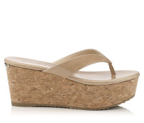 Paque 70 Wedges aus nudefarbenem Lackleder