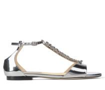 Bella Flat Flache Sandaletten aus silbernem Flüssigleder in Metallic-Optik mit Kristallverzierung