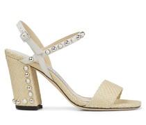 Aadra 85 Sandaletten aus naturfarbenem Raffiabast mit kuppelförmigen silbernen Nieten und weißen Perlen