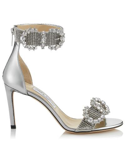 Lais 85 Sandaletten aus silberfarbenem Glanzleder mit Kristallschnallen