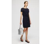 Kurzes Kleid mit Mesh-Details