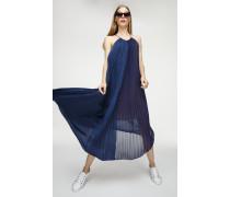 Plissee-Kleid aus Material-Mix