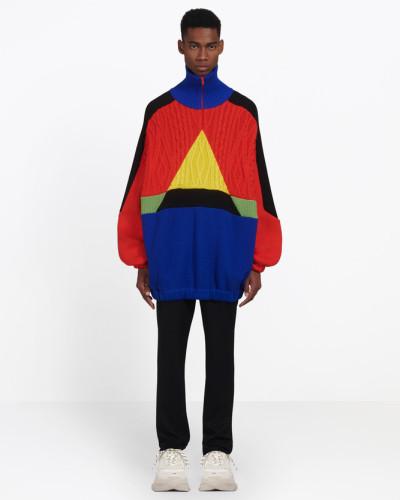 Patchwork-Pullover mit hohem Kragen