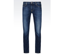 J06 Slim Fit-Jeans mit Dunkler Waschung