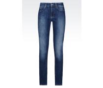 J18 Slim Fit-Jeans mit Dunkler Waschung