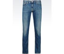 Slim Fit-Jeans mit Mittelblauer Waschung
