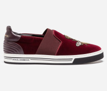 SLIP-ON SNEAKER LONDON AUS SAMT MIT STICKEREI