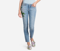 JEANS FIT PRETTY AUS DENIM MIT PATCH