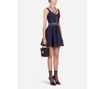 Kurzes Kleid mit Tellerrock aus Denim mit Gürtel