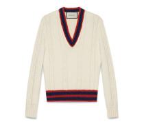 Pullover mit Zopfmuster, V-Ausschnitt und Webstreifen