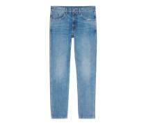 Schmale Hose aus gebleichtem und gewaschenem Jeans