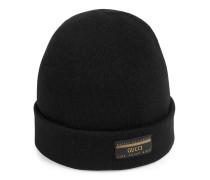 Mütze aus Wolle mit Etikett
