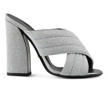 Sandale mit Glitzer und überkreuzten Riemen