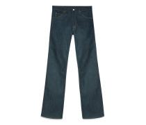 Dunkelblaue Jeans mit weitem Bein